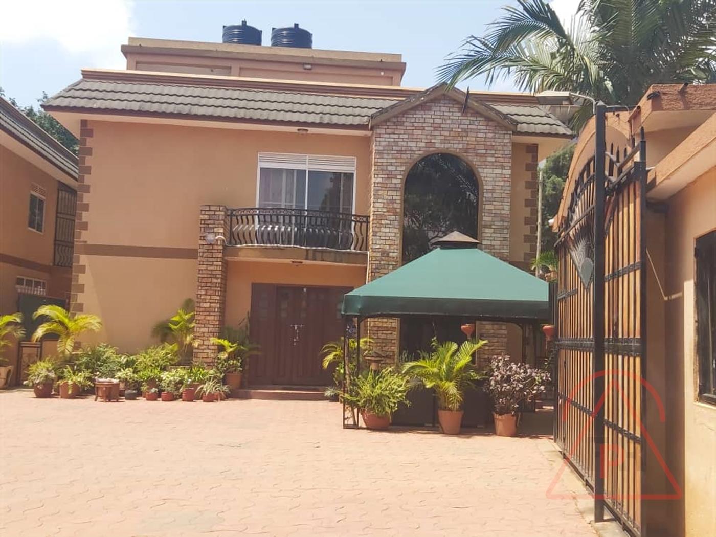 Villa for sale in Bukoto Kampala