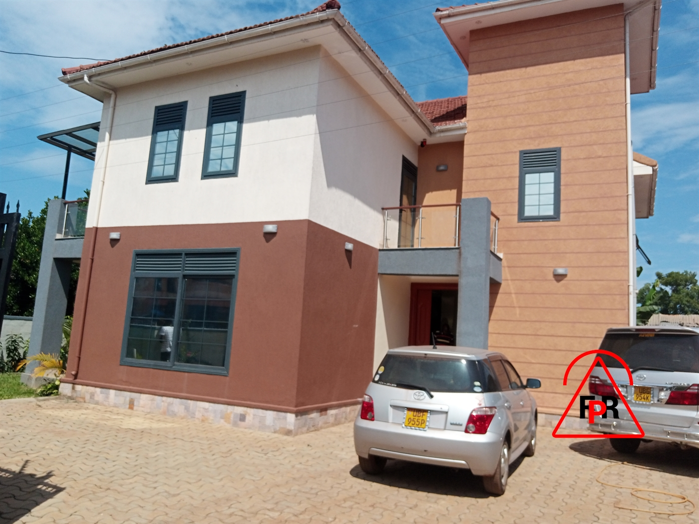 Mansion for sale in Kiwatuule Kampala