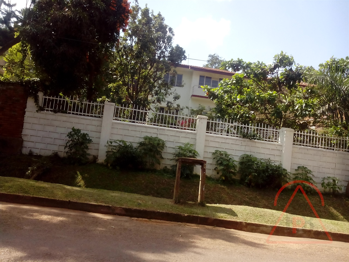 Bungalow for sale in Kololo Kampala