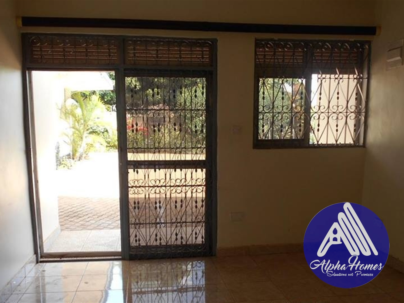 Duplex for rent in Kiwatule Kampala