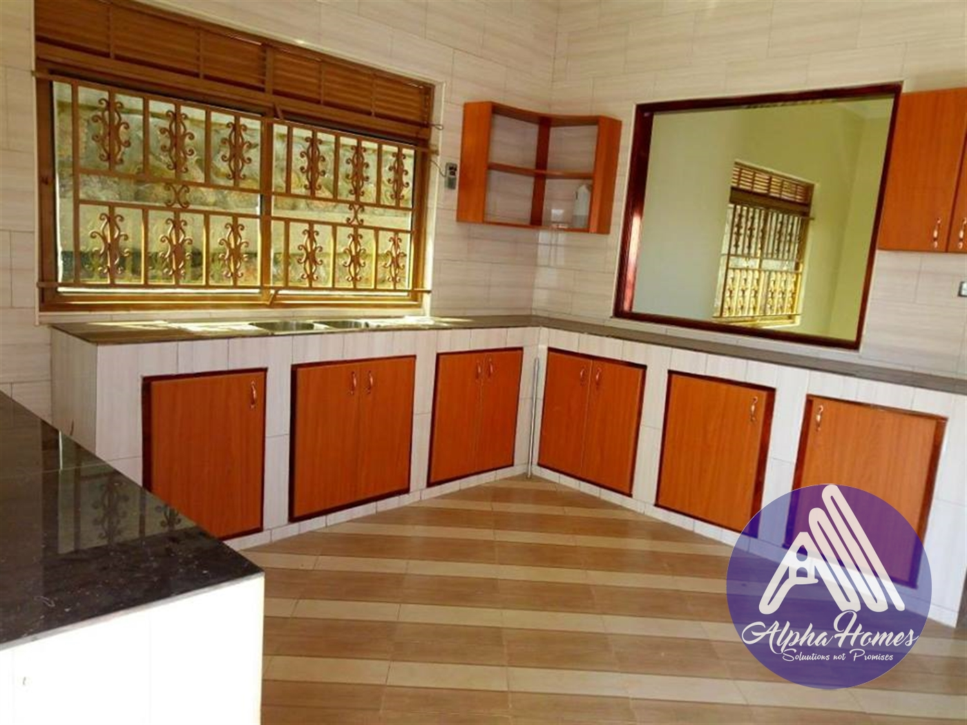 Bungalow for sale in Kitende Wakiso
