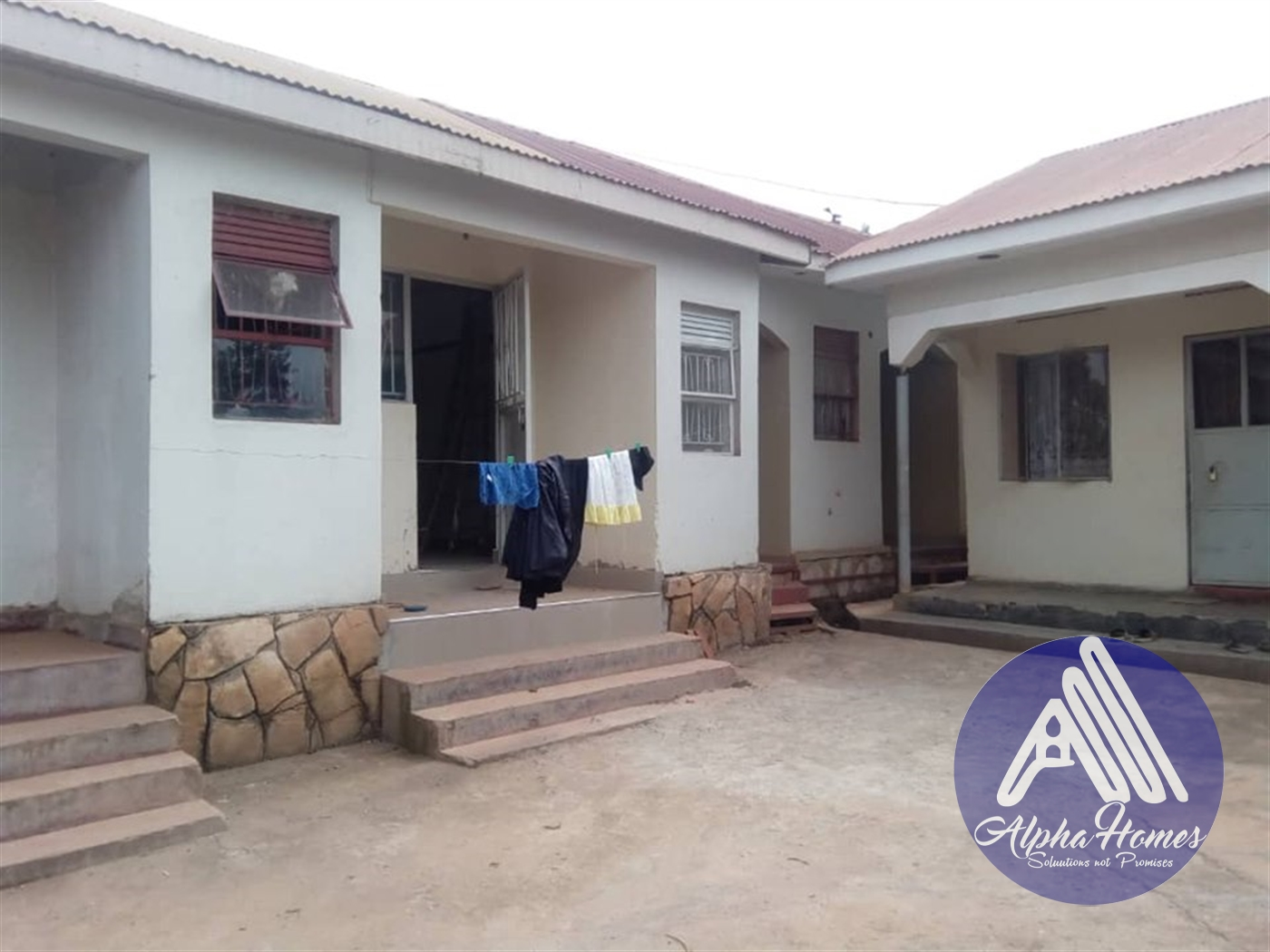 Semi Detached for rent in Kirinya Wakiso