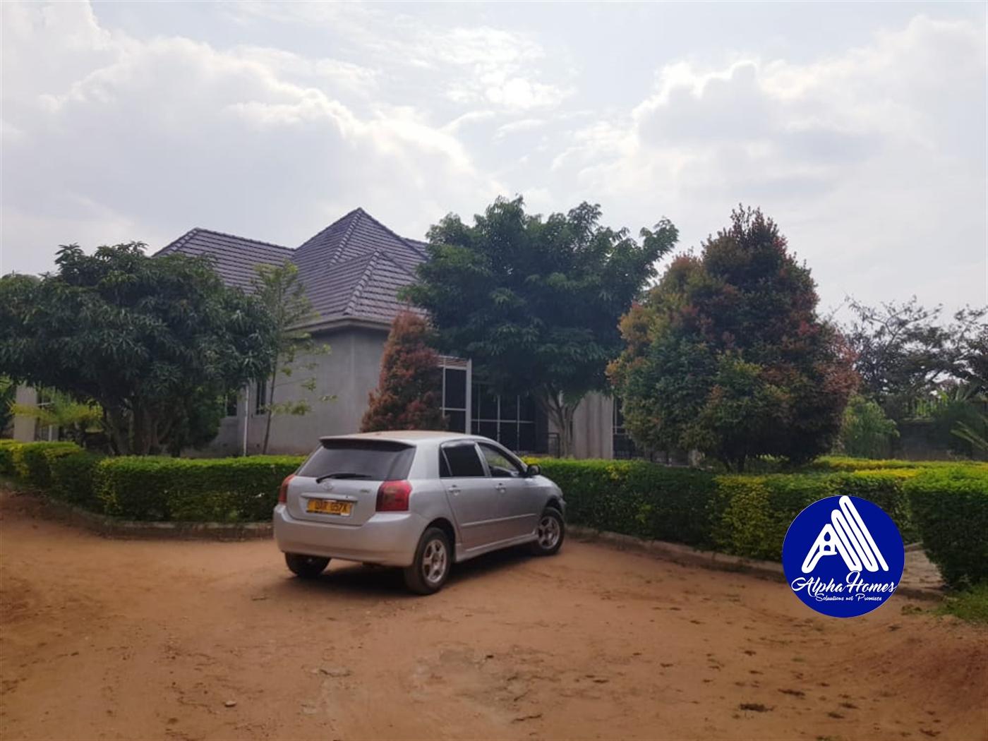 Bungalow for rent in Kigo Wakiso