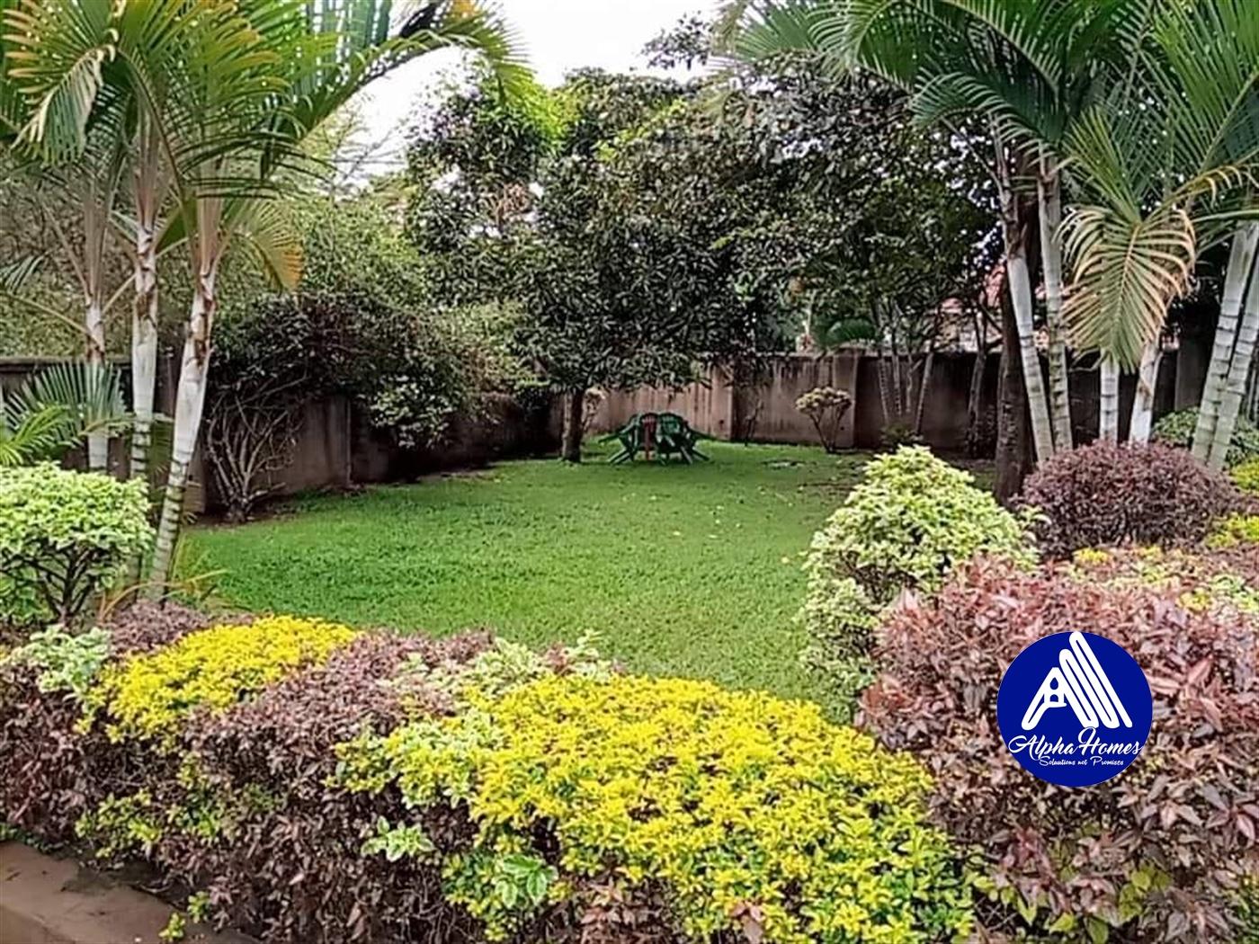 Mansion for sale in Kyaliwajjala Wakiso