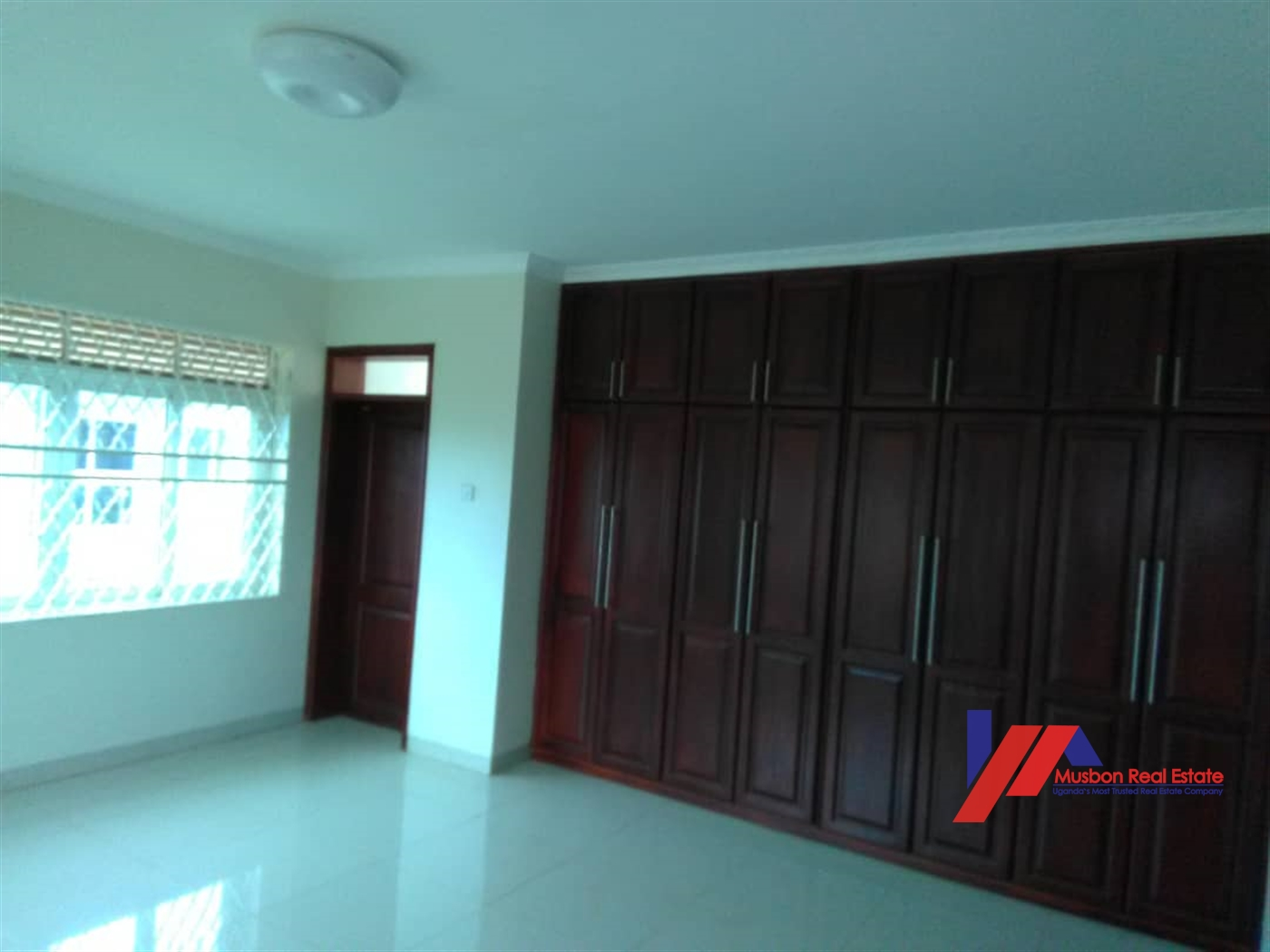 Mansion for sale in Mutungo Kampala