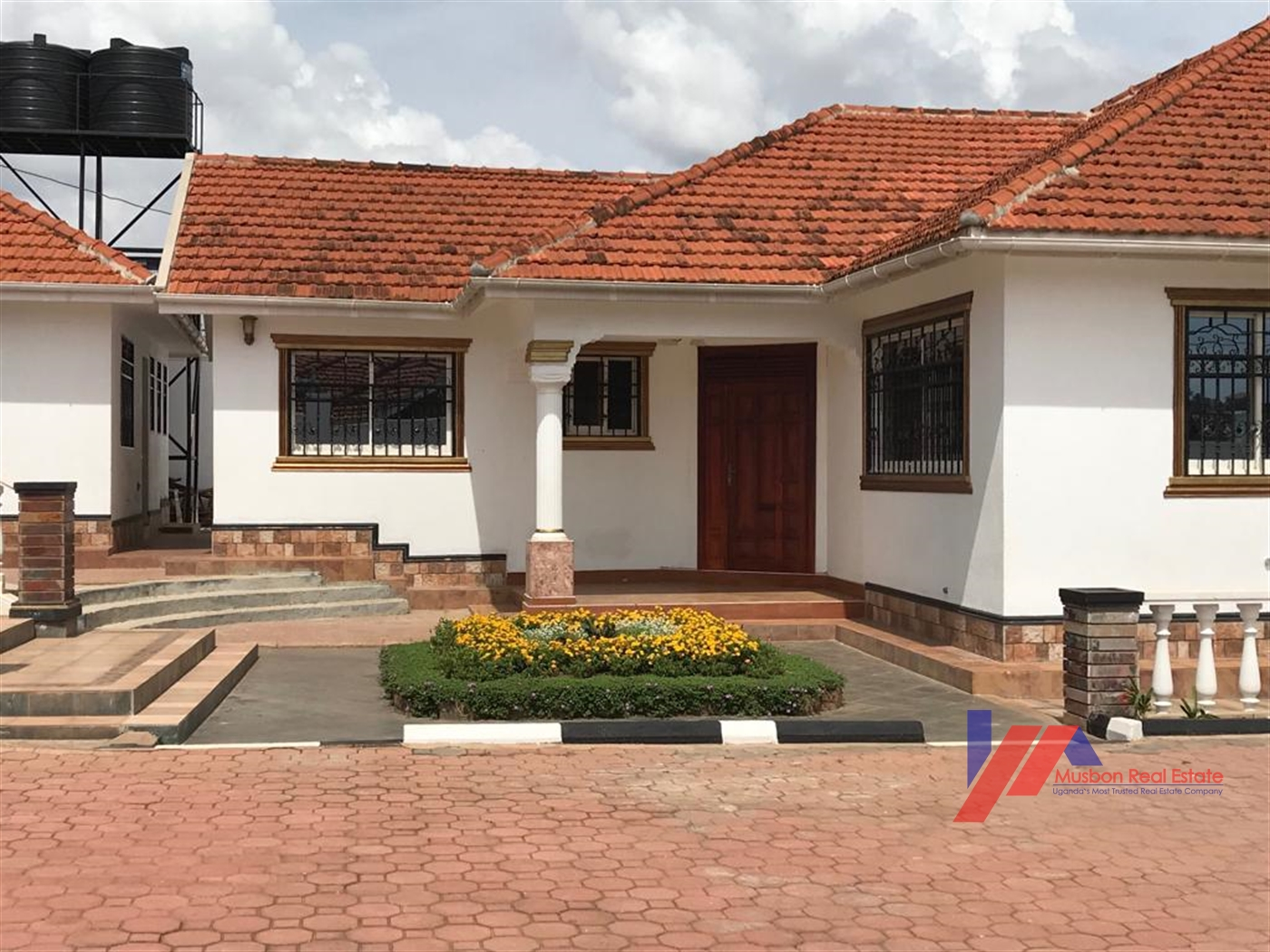 Maisonette for sale in Lubowa Kampala