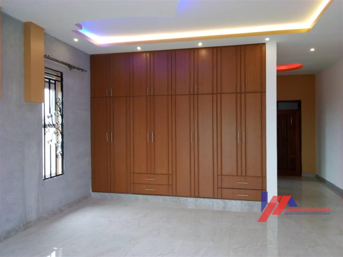 Villa for sale in Kitende Kampala