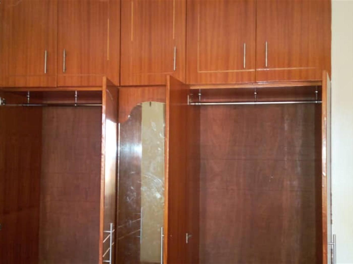 Bungalow for sale in Lweza Wakiso