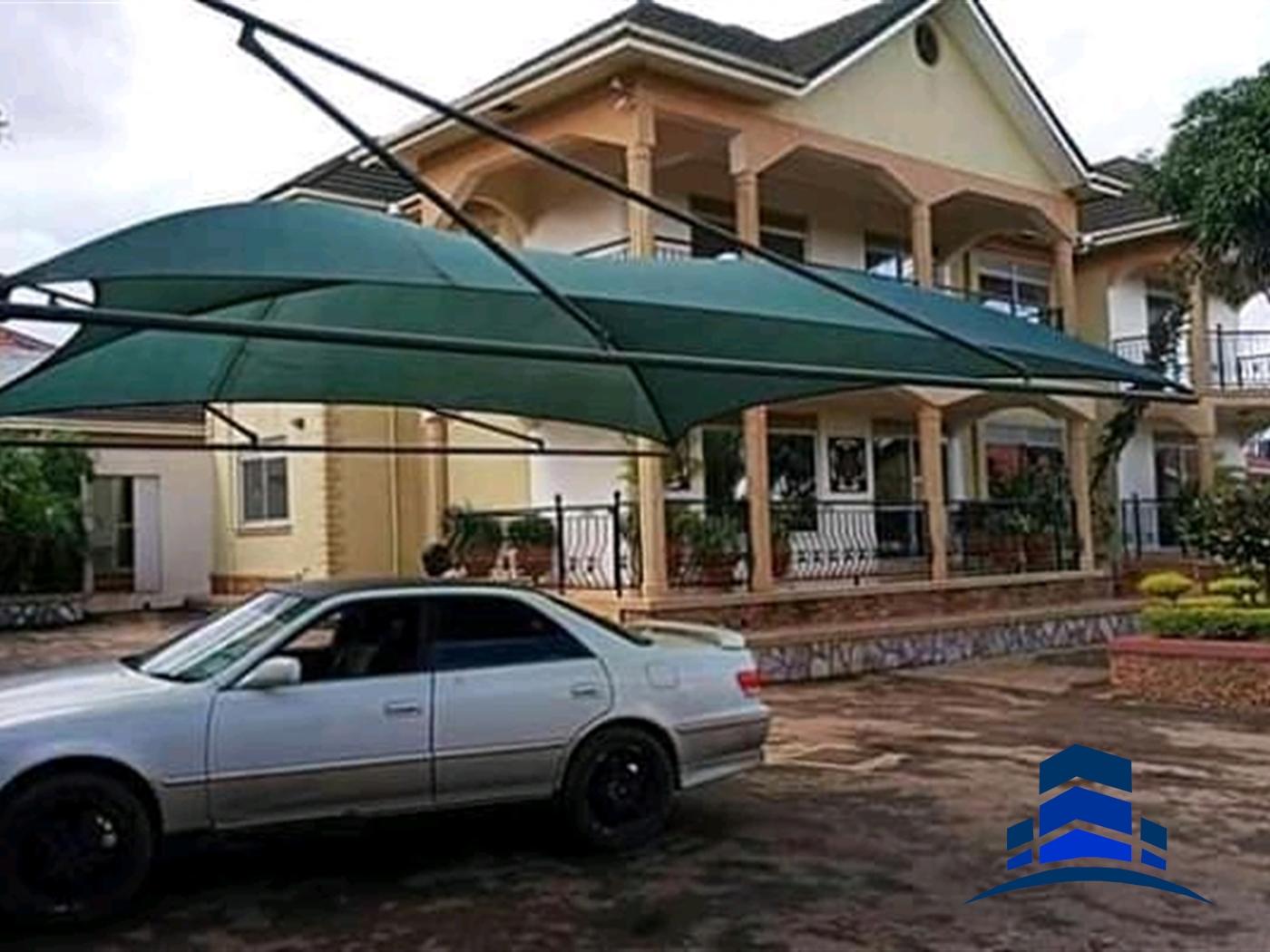 Mansion for sale in Namungogo Wakiso