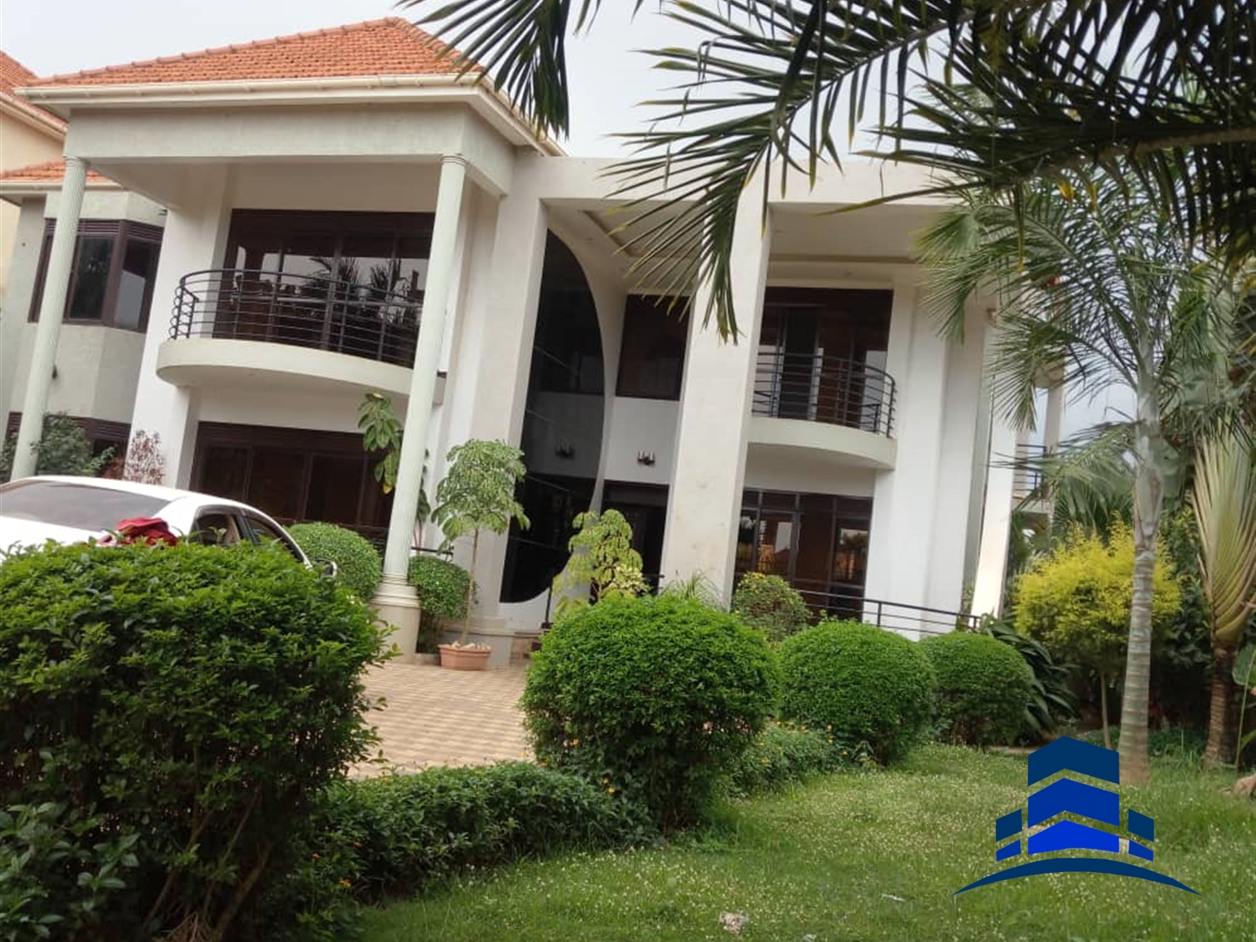Mansion for sale in Buziga Wakiso