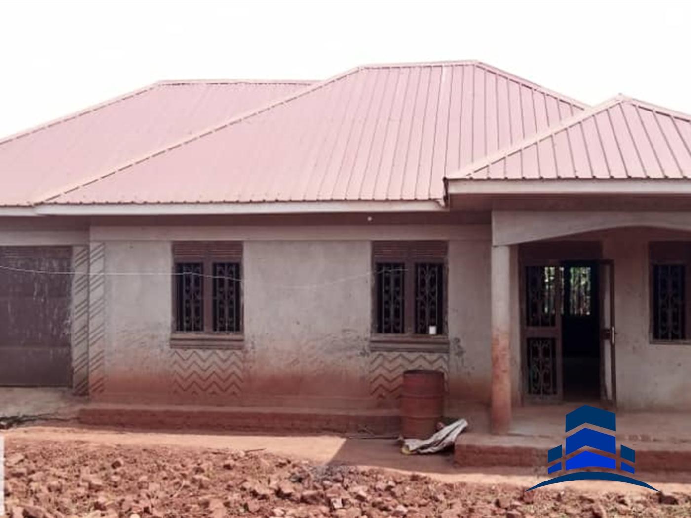 Bungalow for sale in Kiwologoma Kampala