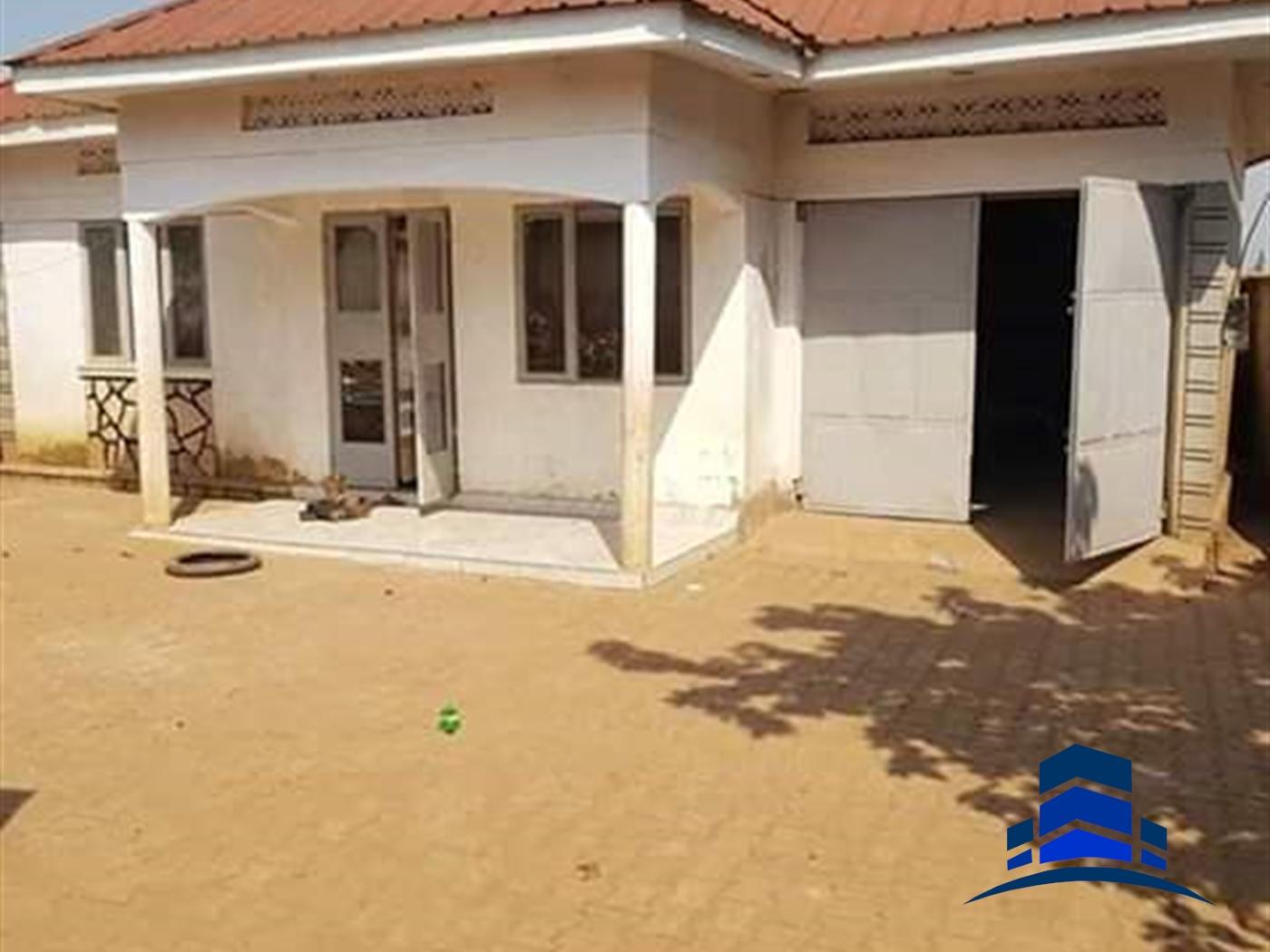 Bungalow for sale in Namavundu Wakiso