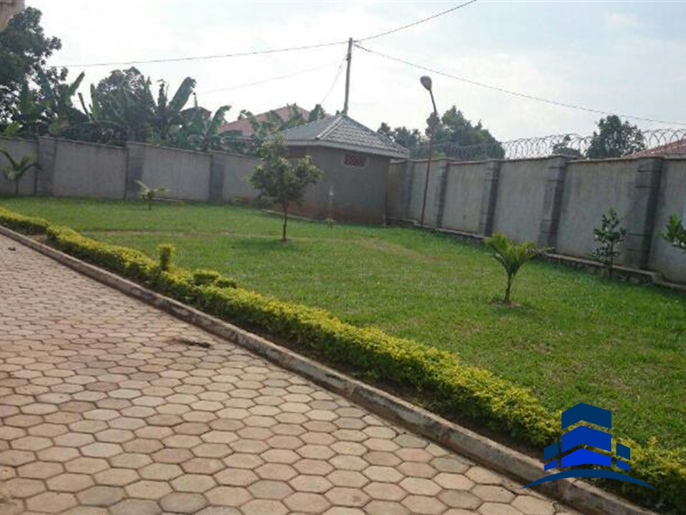 Mansion for sale in Katabi Wakiso