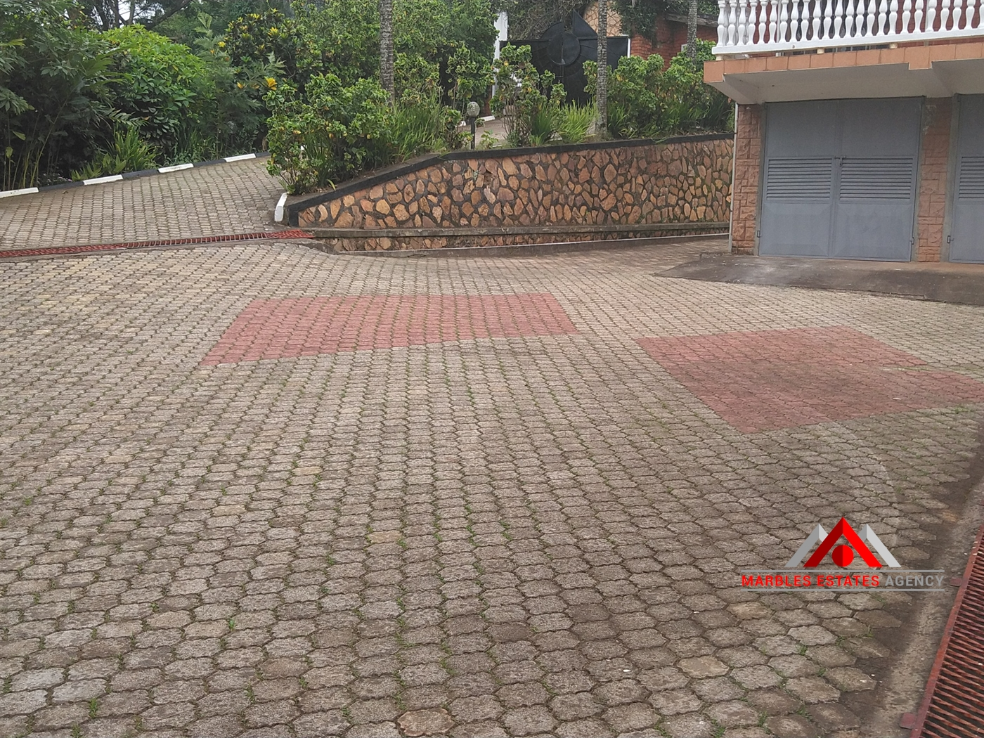 Storeyed house for rent in Mbuya Kampala