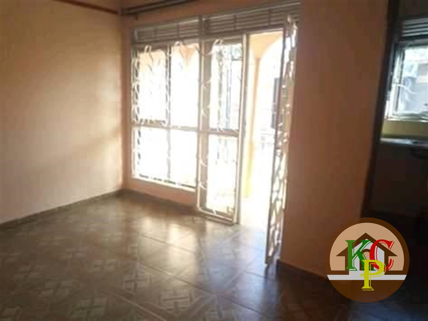 Semi Detached for rent in Mutungo Kampala