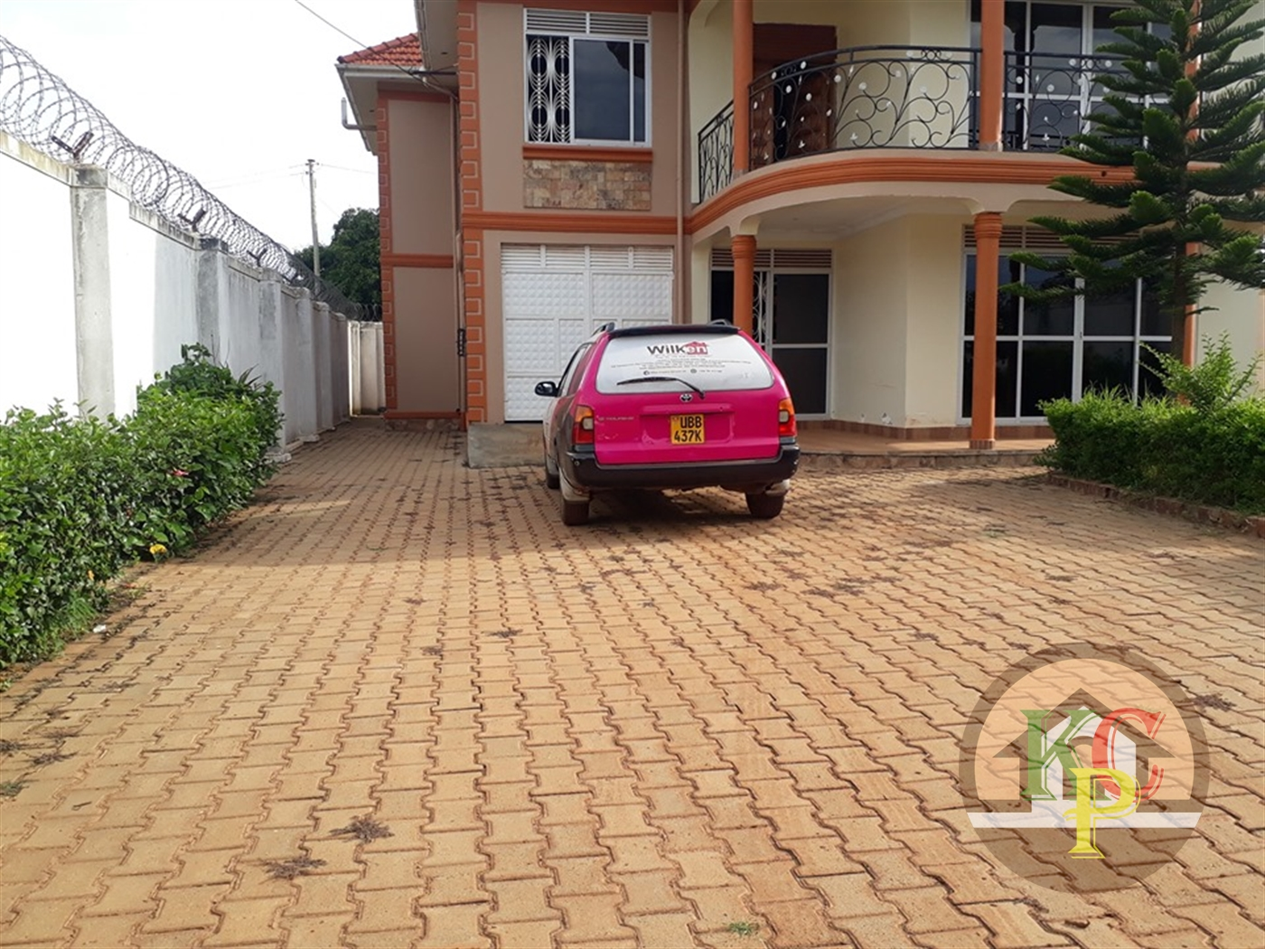 Mansion for rent in Kawuku Wakiso