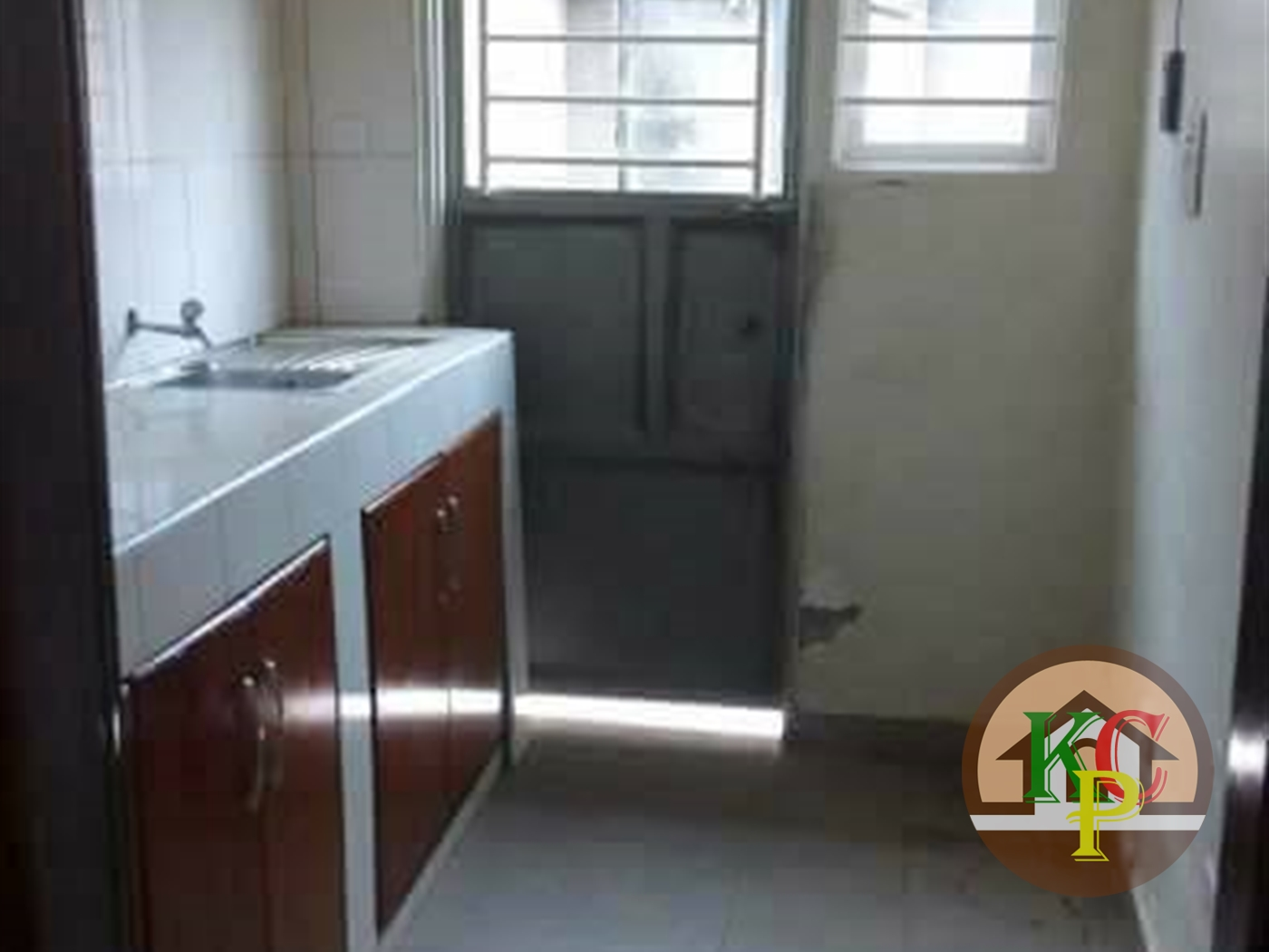 Semi Detached for rent in Mpererwe Kampala