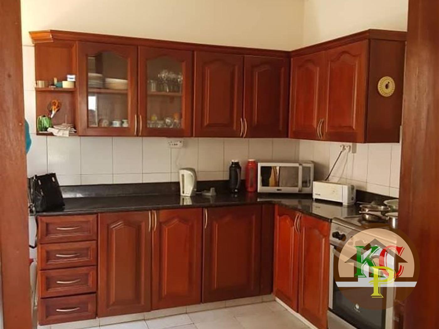 Mansion for rent in Kitende Wakiso
