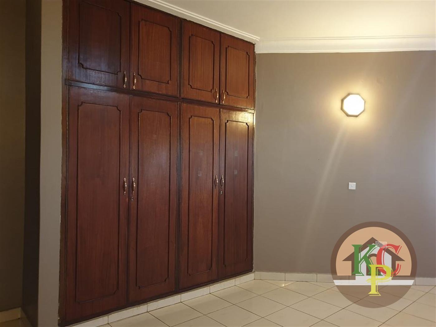 Mansion for rent in Nalufenya Jinja