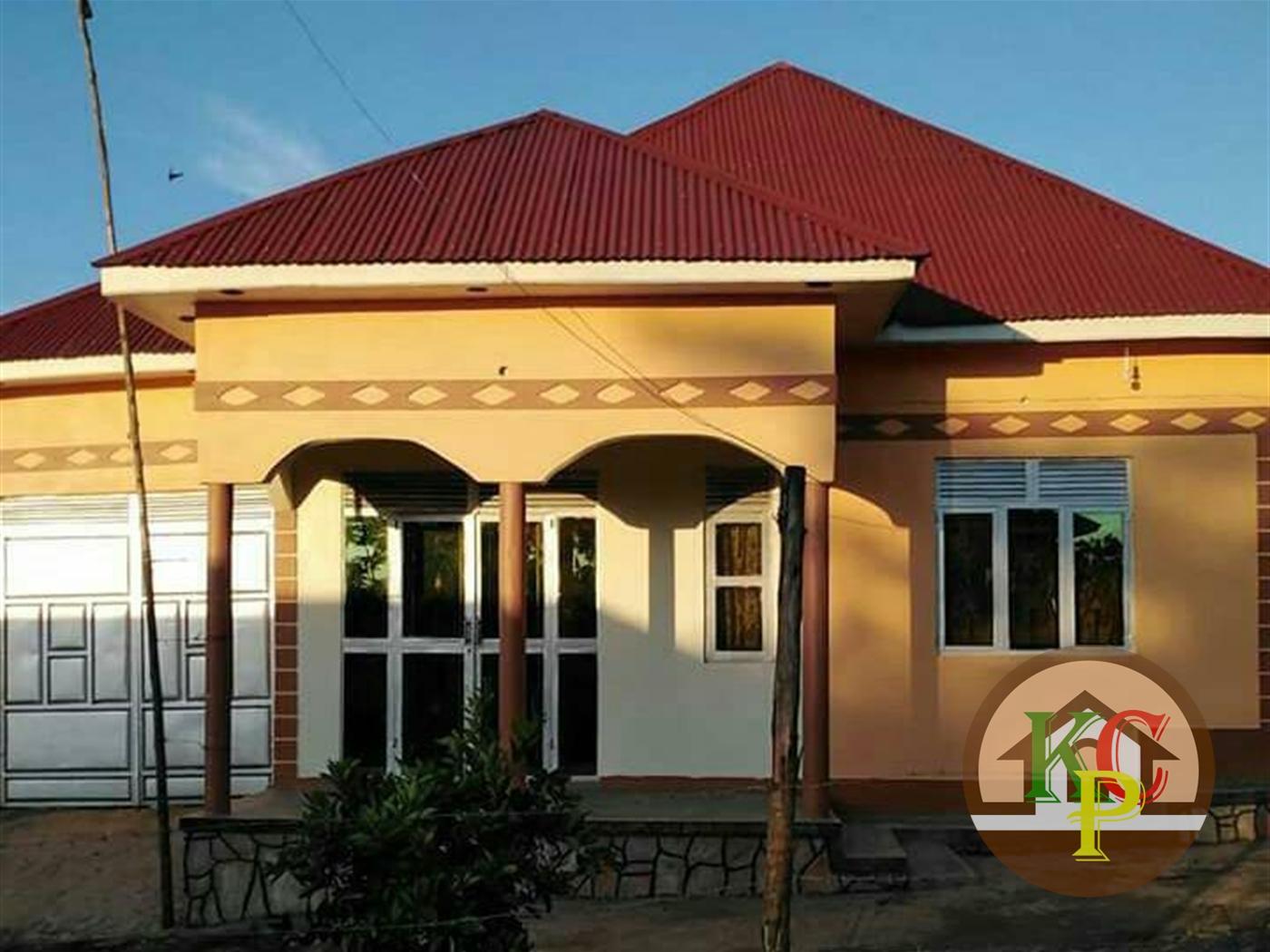 Bungalow for sale in Bombo Wakiso