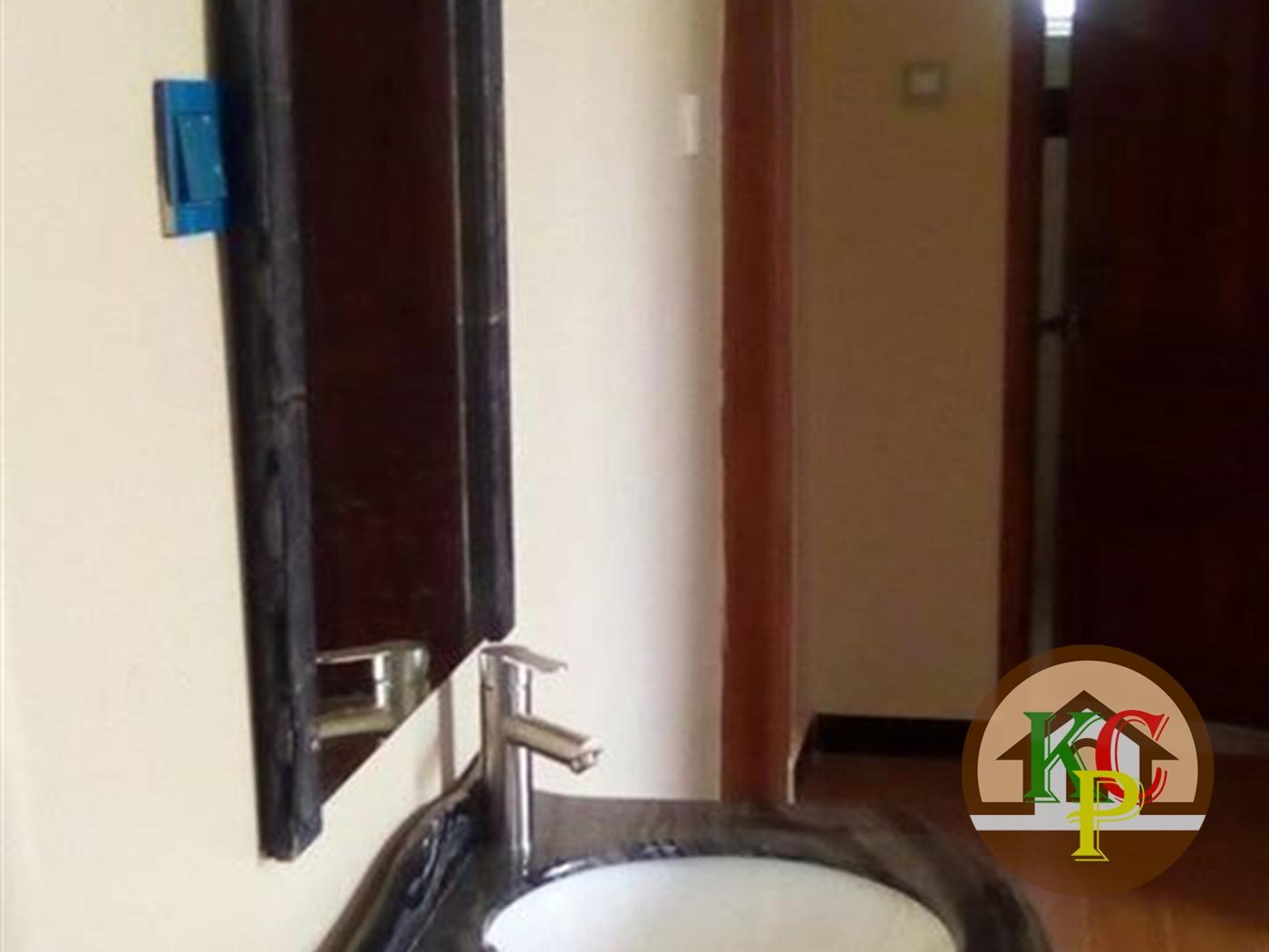 Mansion for rent in Kira Wakiso