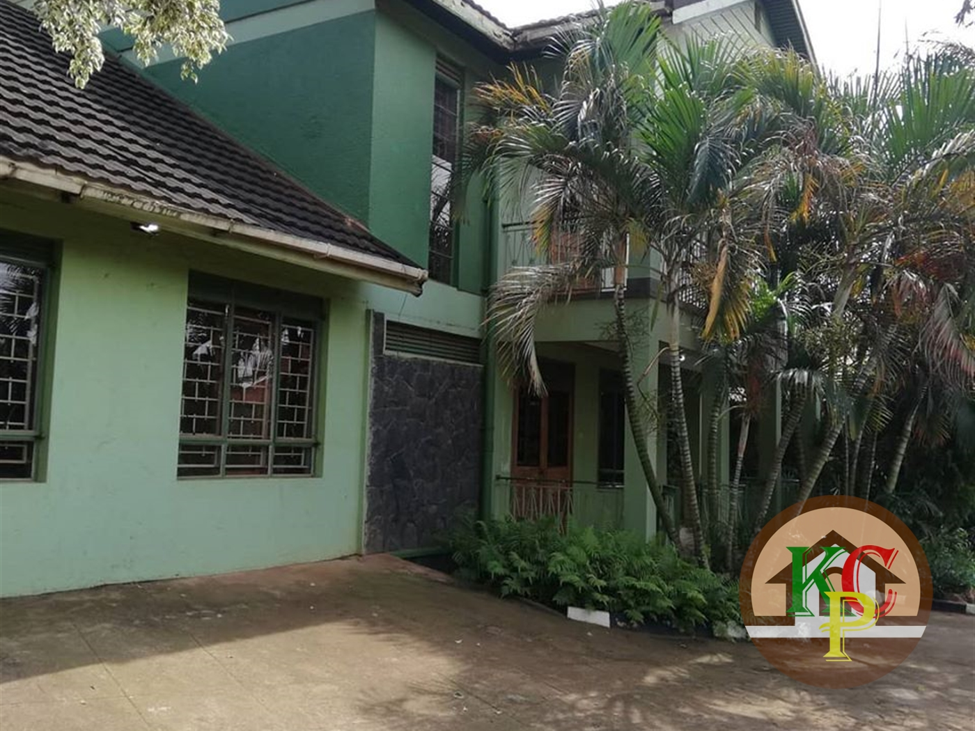 Mansion for rent in Bukoto Kampala