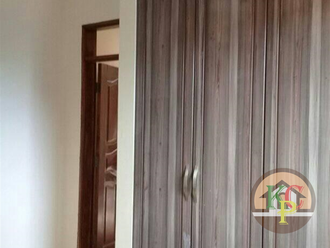 Semi Detached for rent in Bukoto Kampala