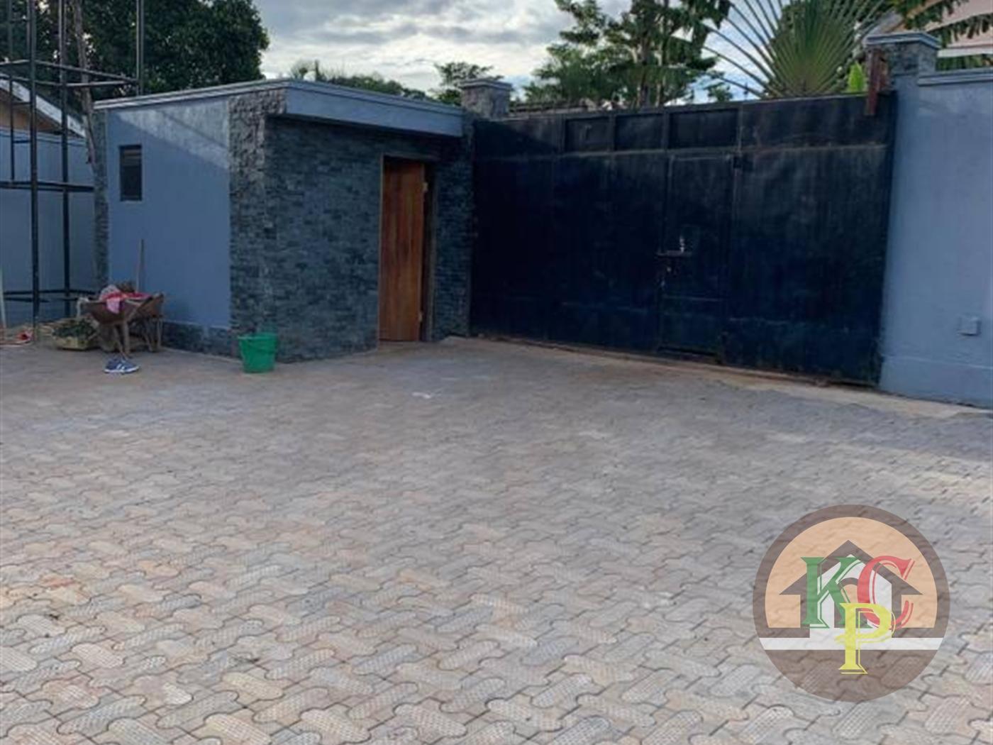 Mansion for sale in Gaba Wakiso