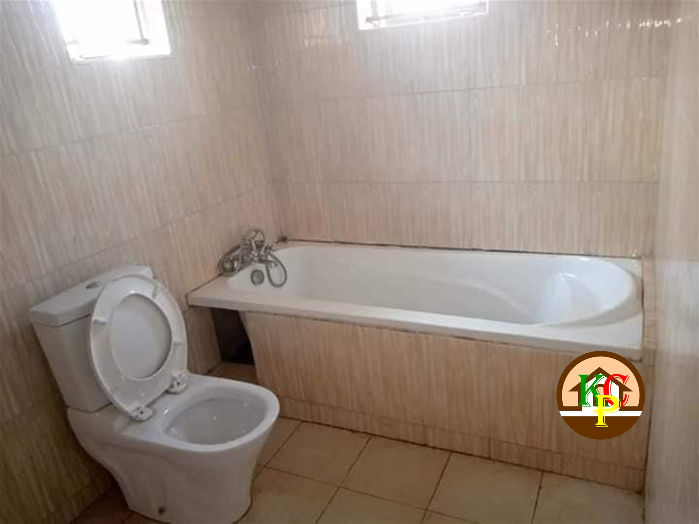 Mansion for rent in Mbalwa Wakiso