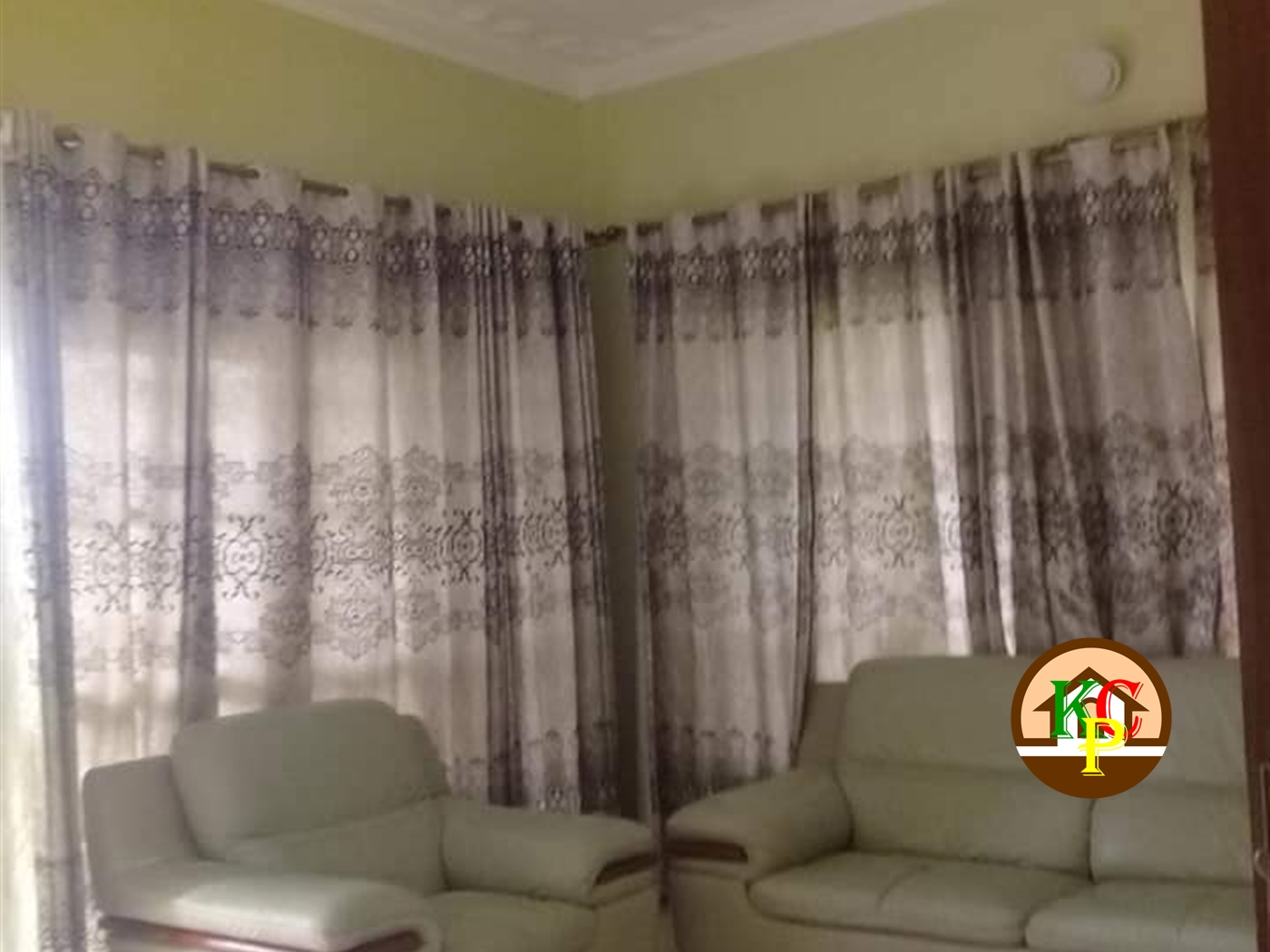 Storeyed house for rent in Kisaasi Kampala