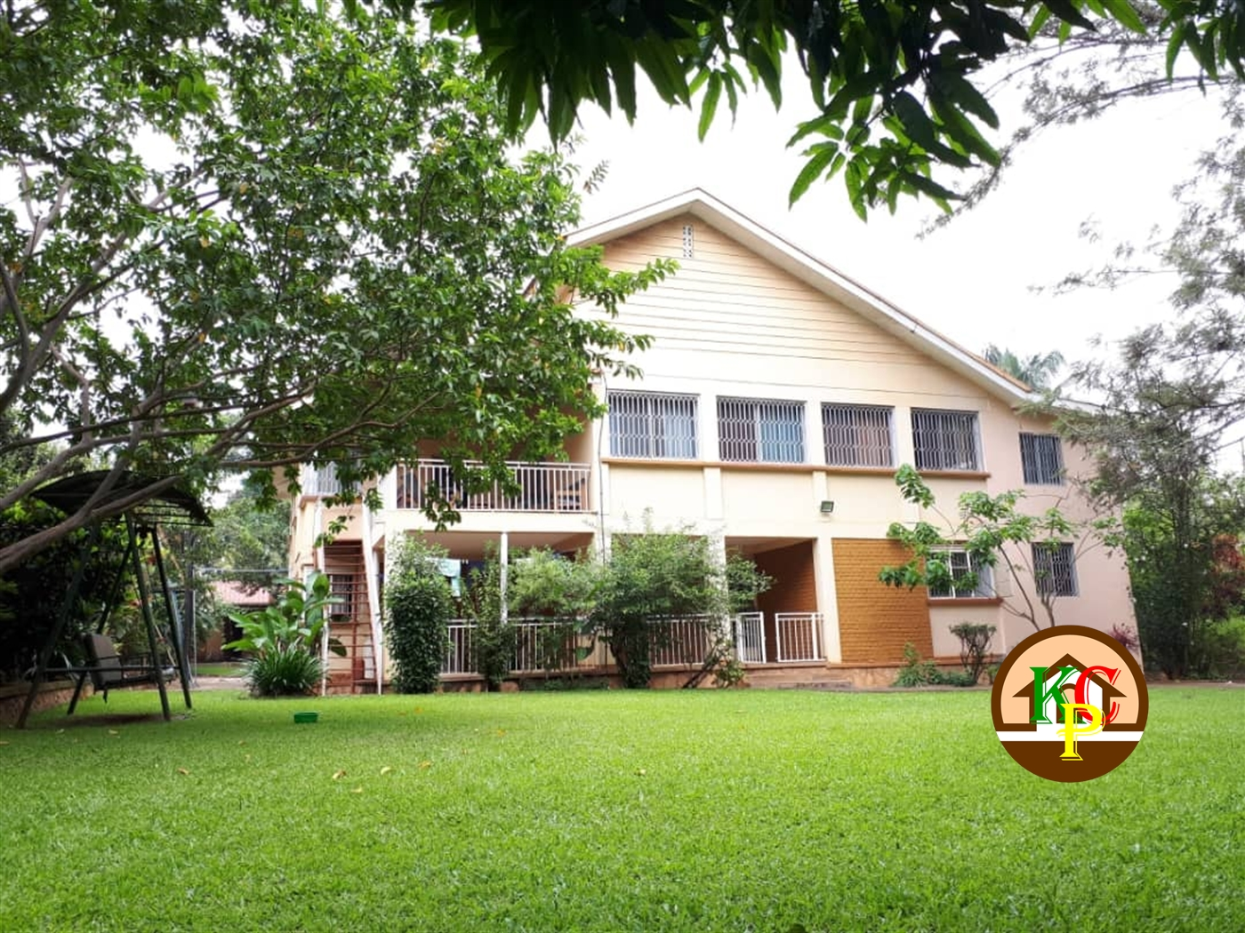 Storeyed house for rent in Kitante Kampala