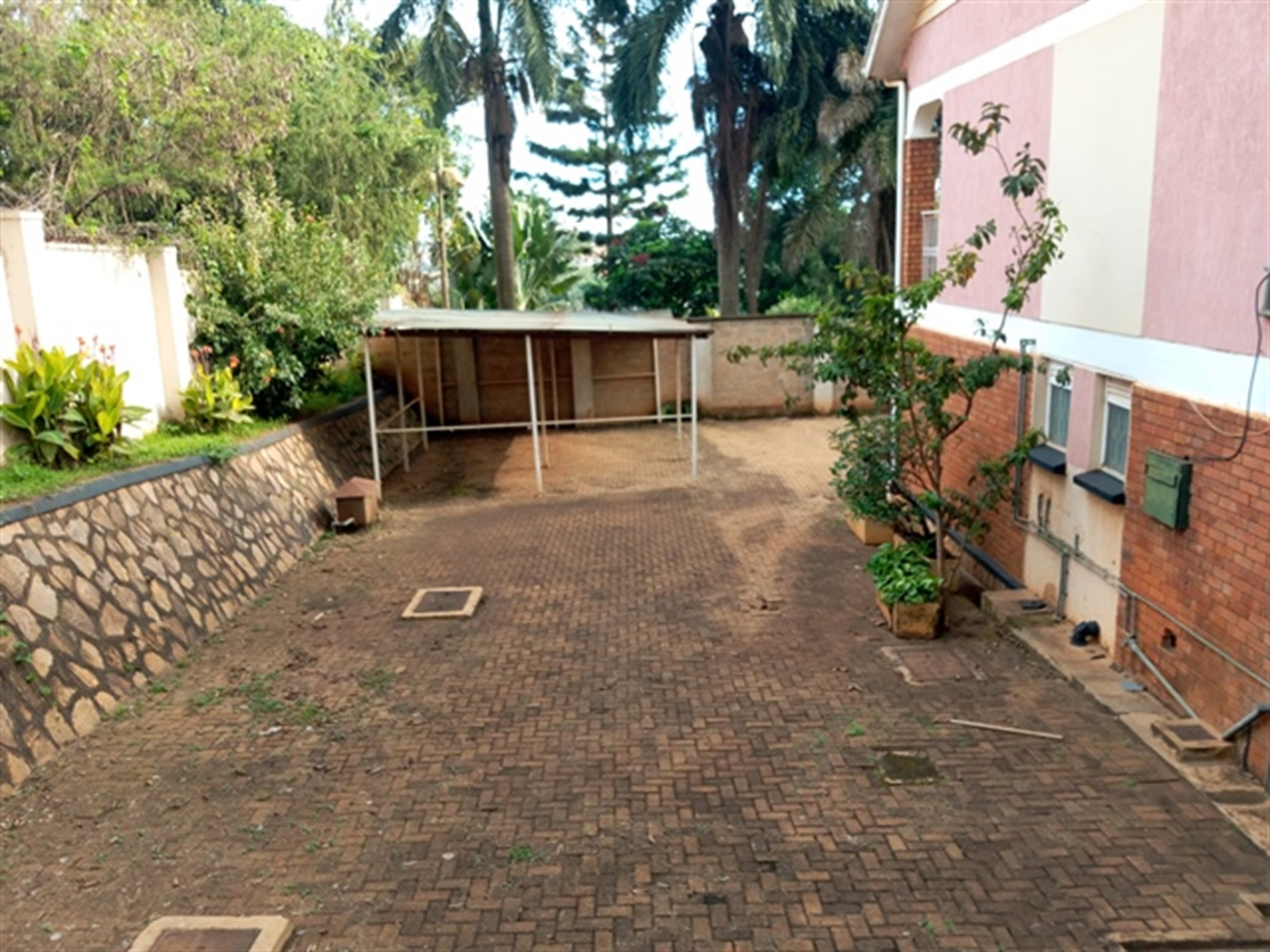 Mansion for rent in Ntinda Kampala