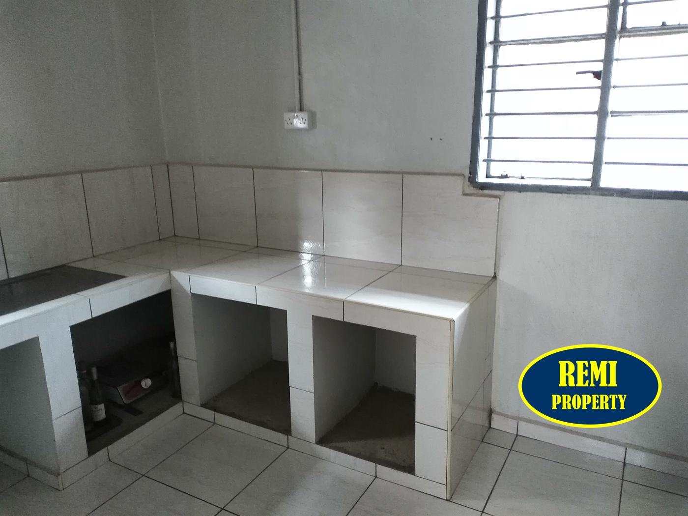 Bungalow for rent in Kamwokya Kampala