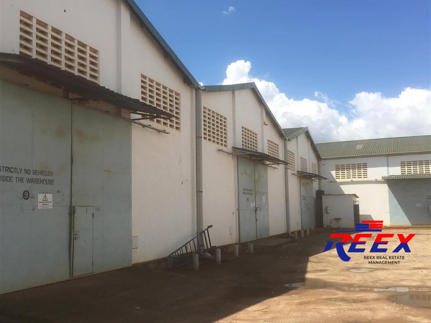 WareHouse for rent in Bweyogerere Wakiso