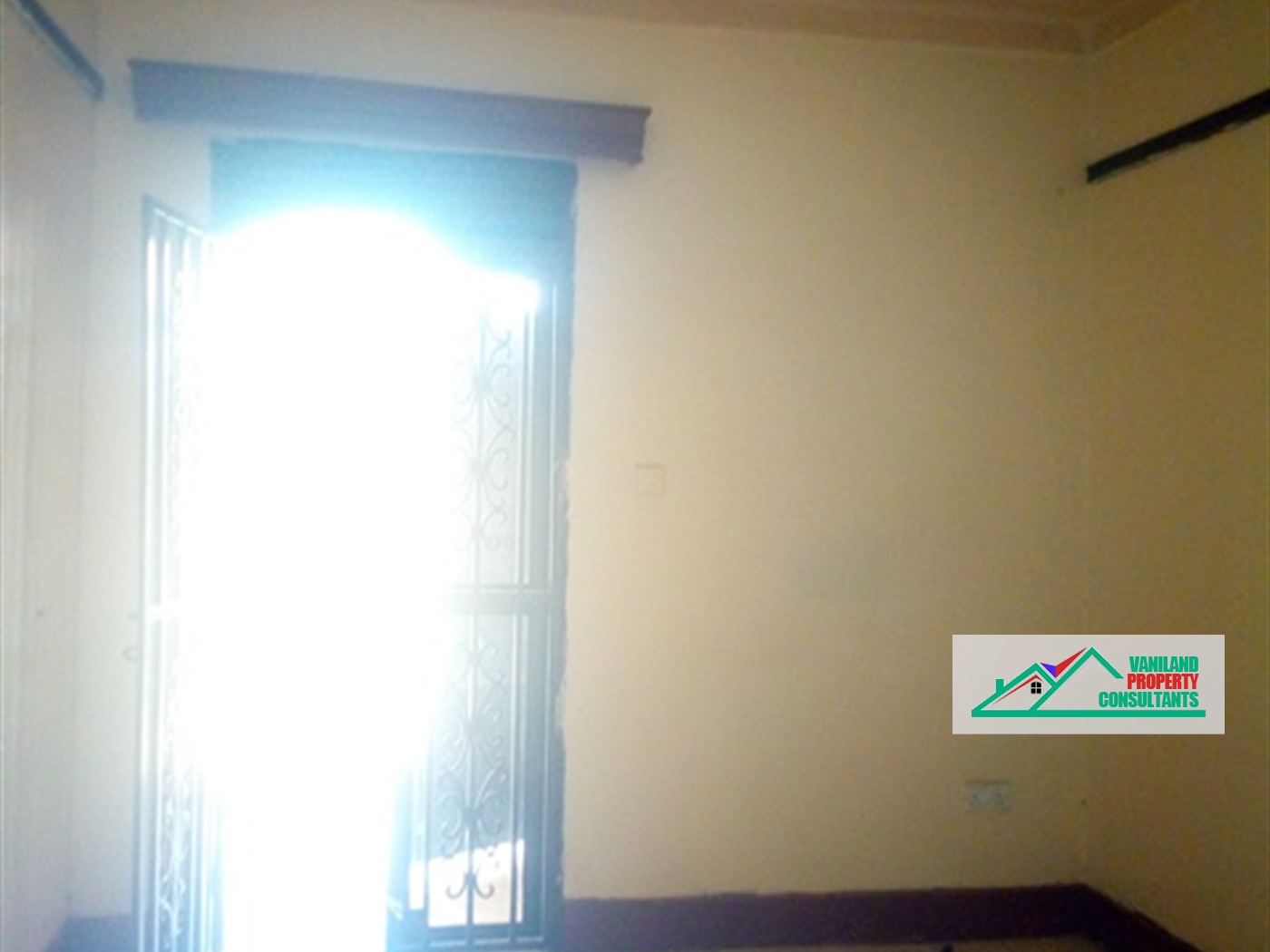 Semi Detached for rent in Zzana Kampala