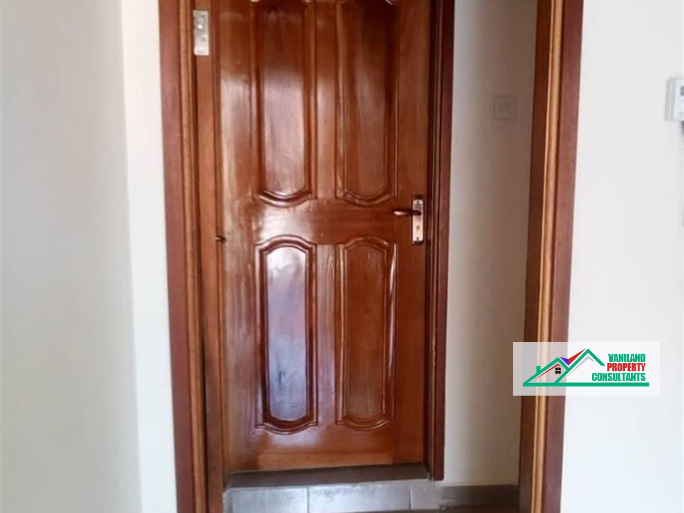 Semi Detached for rent in Entebbe Kampala
