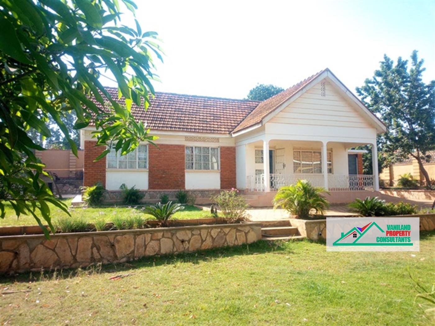 Bungalow for rent in Busega Kampala