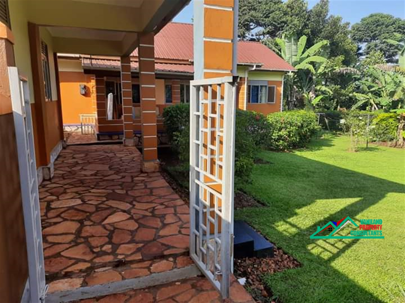 Bungalow for sale in Bujaagali Jinja