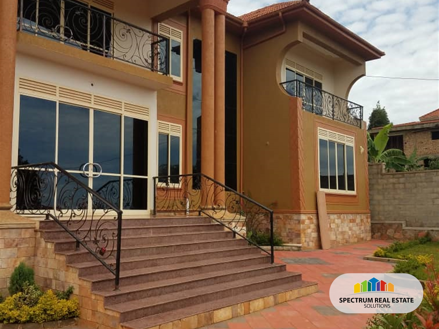 Storyed house for sale in Kakungulu Wakiso