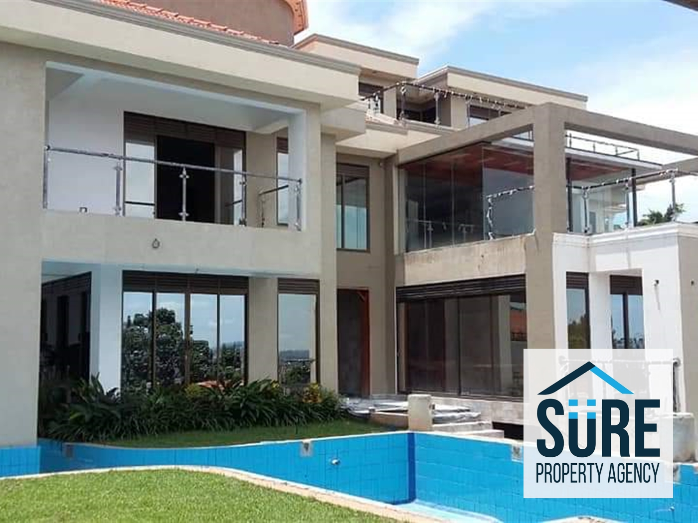 Mansion for sale in Mutongo Kampala