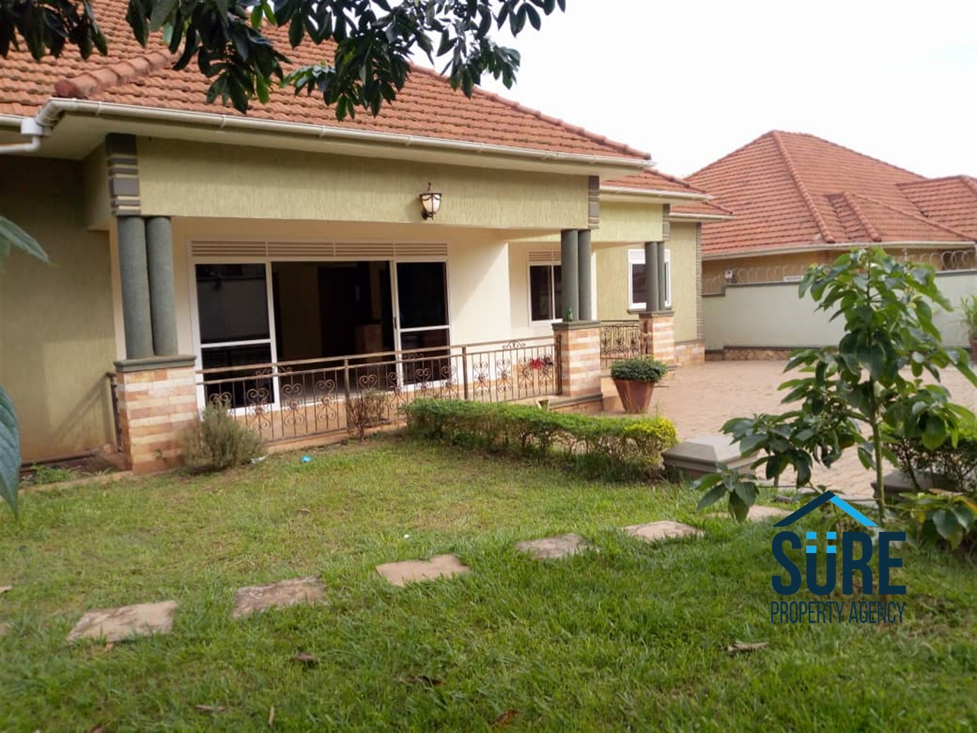 Bungalow for rent in Kiwatule Kampala