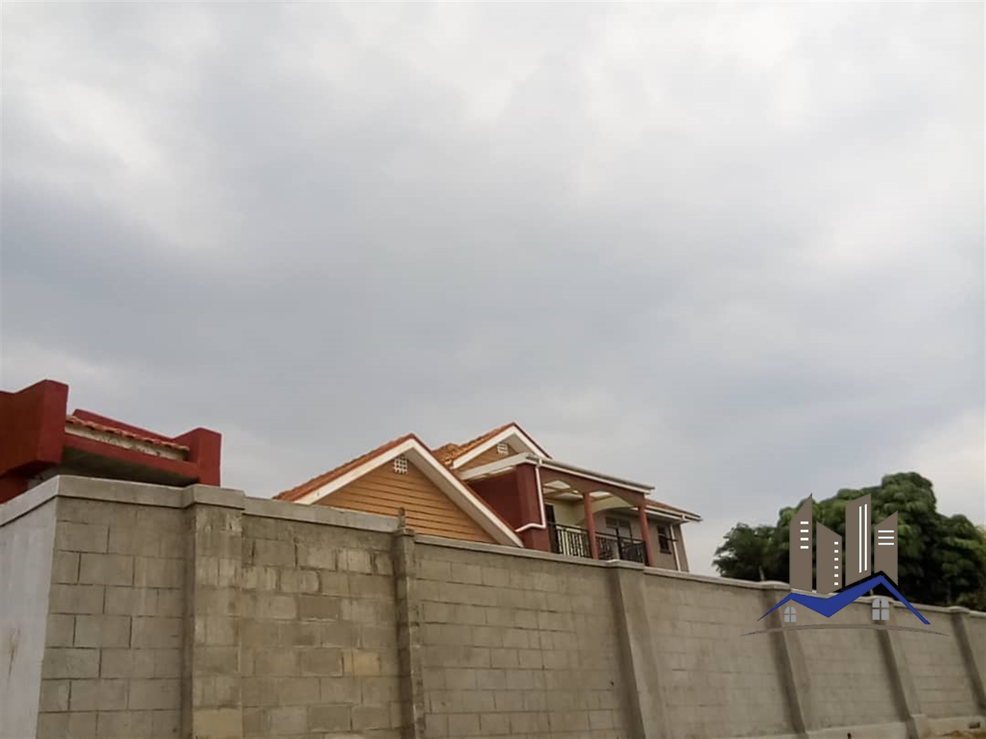 Villa for rent in Mutungo Kampala