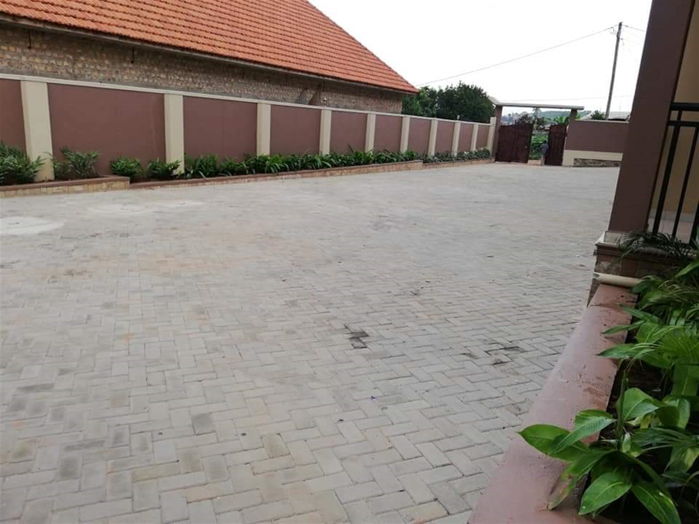 Apartment for rent in Kisaasi Wakiso