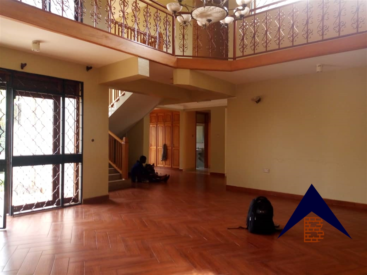 Mansion for rent in Muyenga Kampala