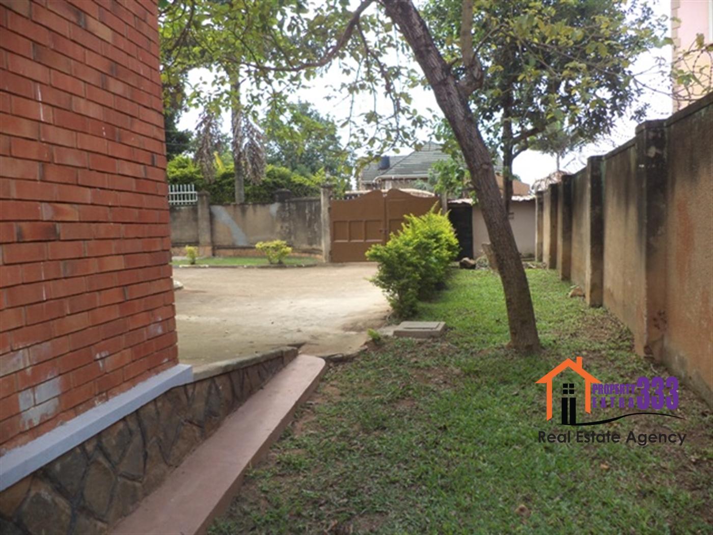 Bungalow for rent in Kiwatule Kampala