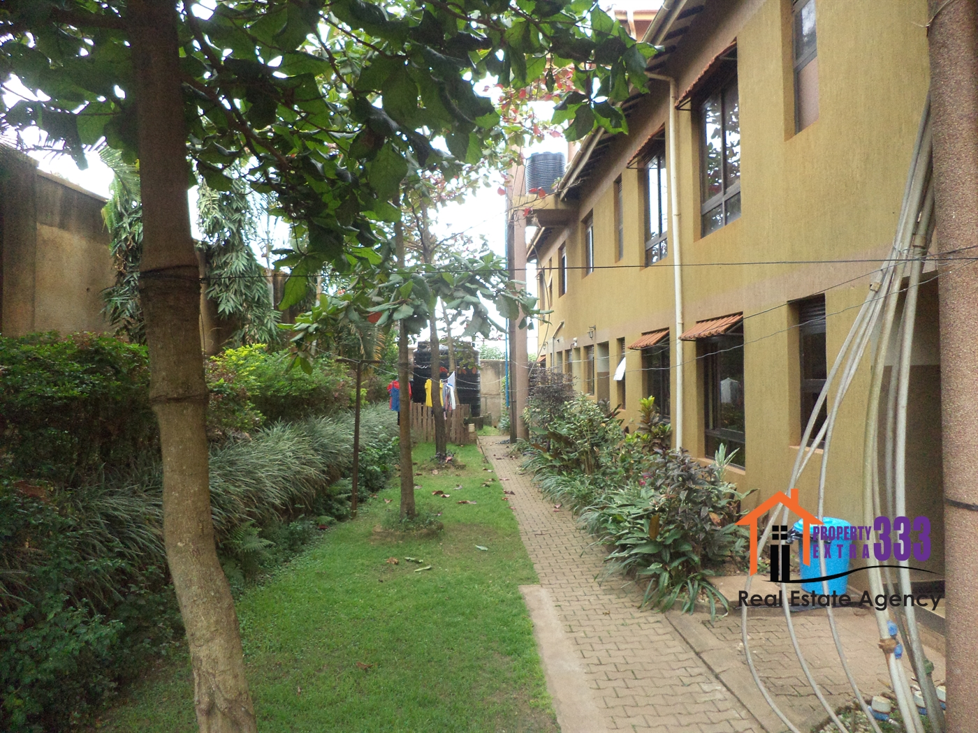 Duplex for rent in Kisaasi Kampala