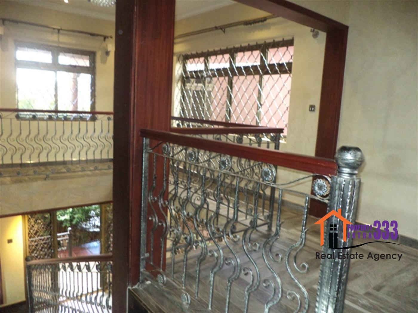 Duplex for rent in Kisaasi Kampala