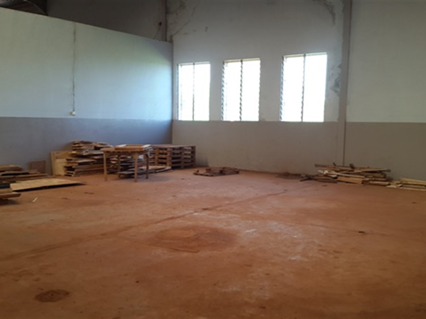 WareHouse for rent in Jinja Jinja