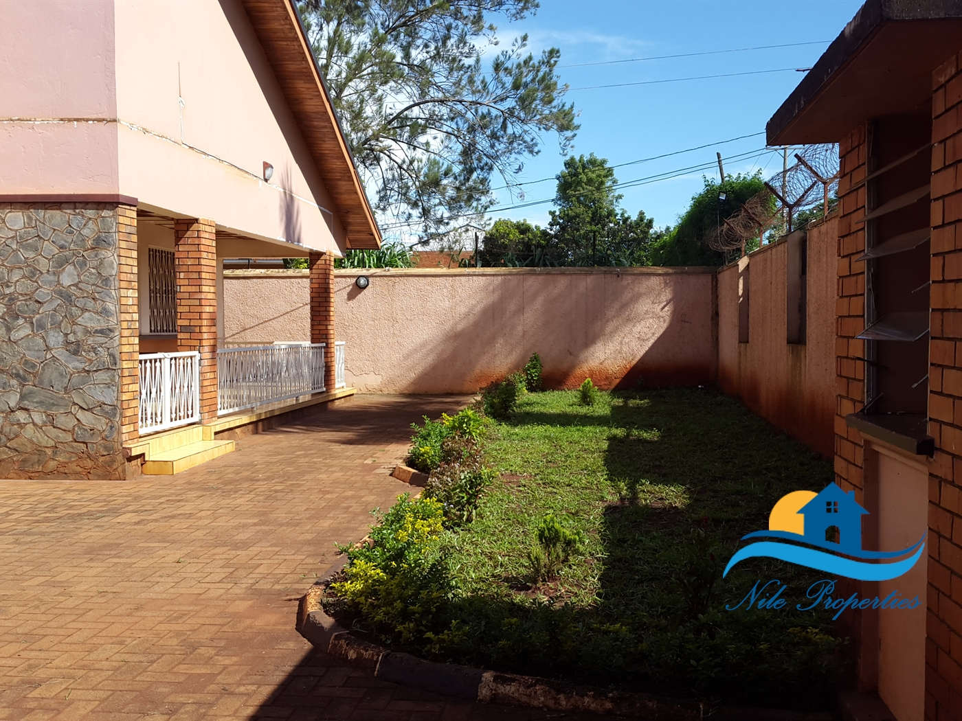 Bungalow for rent in Town Jinja
