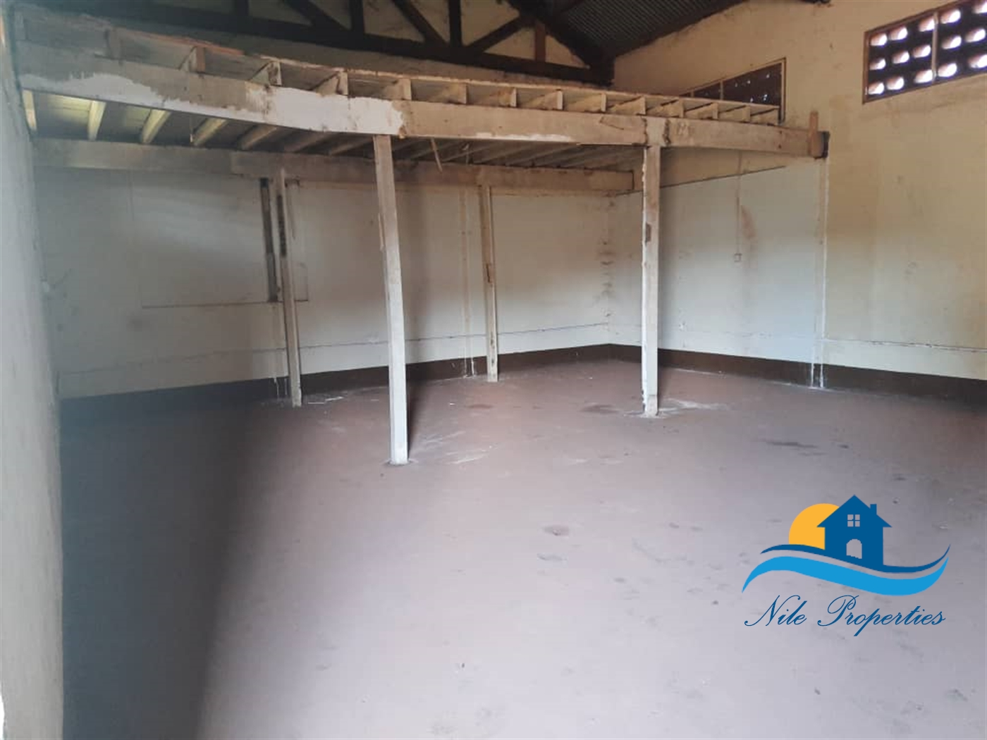 WareHouse for rent in Town Jinja